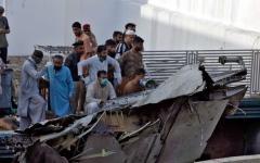 الصورة: الصورة: 97 قتيلاً وناجيان في حادث تحطم طائرة الركاب الباكستانية
