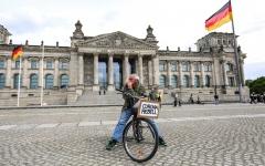 الصورة: الصورة: تسجيل 31 وفاة و431 إصابة جديدة بكورونا في ألمانيا
