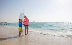 الصورة: الصورة: 50 % الحد الأقصى لاستخدام الشواطئ الفندقية في دبي