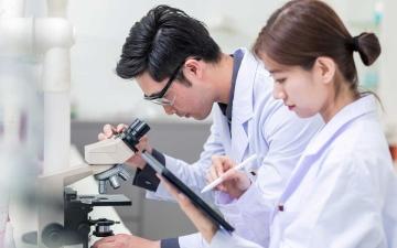 الصورة: الصورة: علماء يابانيون يطورون فيروس قادر على مكافحة السرطان