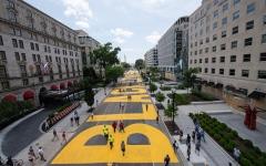 الصورة: الصورة: مدينة واشنطن تطلق اسم «حياة السود مهمة» على ساحة حيوية