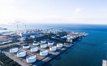 الصورة: الصورة: تراجع قيمة صادرات النفط السعودية 11 مليار دولار في الربع الأول