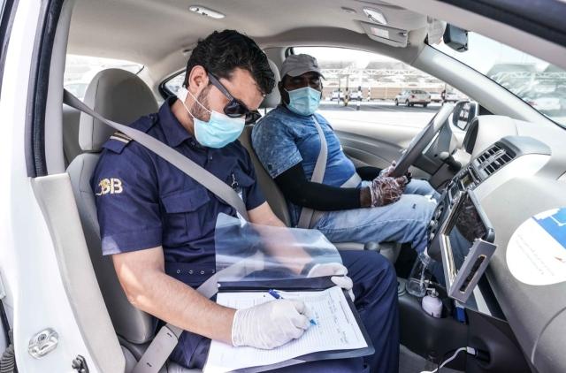 طرق دبي تجري حملات تفتيشية ورقابة مستمرة لتطبيق الإجراءات الاحترازية - عبر الإمارات - أخبار وتقارير - البيان