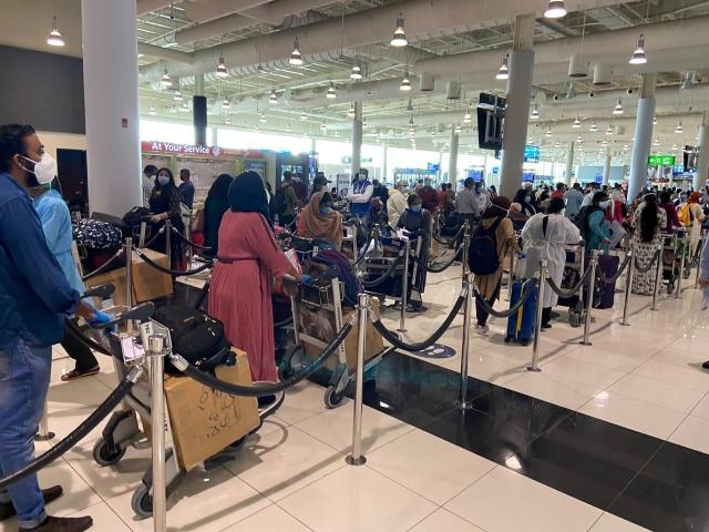 80 رحلة طيران من دبي تنقل 14.3 ألف هندي لبلدهم - الاقتصادي - العالم اليوم - البيان