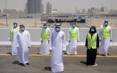 الصورة: الصورة: حمدان بن محمد يتفقّد مشروع تطوير طريق دبي-العين بتكلفة ملياري درهم
