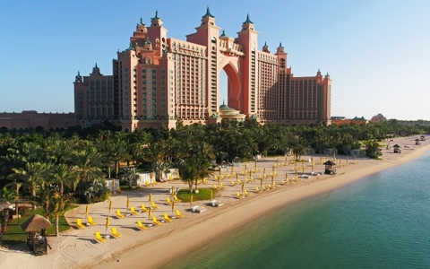 الصورة: الصورة: عروض مغرية بفنادق دبي لتشجيع السياحة الداخلية