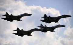 الصورة: الصورة: روسيا تدفع بطائرات مقاتلة لاعتراض قاذفتين أمريكيتين