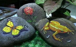 الصورة: الصورة: حقيقة أم خيال؟.. رسومات على حجر تنبض بالحياة