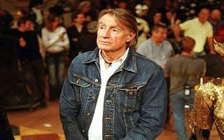 الصورة: الصورة: وفاة المخرج الأمريكي الشهير جويل شوماخر