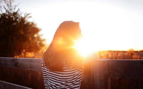 الصورة: الصورة: دراسة: شمس الصيف تقتل كورونا في 30 دقيقة فقط