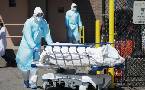 الصورة: الصورة: الصحة العالمية تحذر من وفاة الملايين في موجة كورونا الثانية