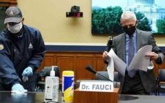 الصورة: الصورة: كبير خبراء الأمراض المعدية في أمريكا يحذر من مشكلة خطيرة