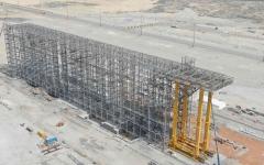 """الصورة: الصورة: """"موانئ دبي"""" تستعد لتدشين نظام تخزين الحاويات بالمنصات المرتفعة الأول من نوعه بالعالم"""