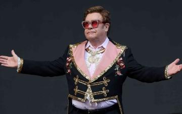 الصورة: الصورة: بريطانيا تحتفي بالمغني إلتون جون بعملة تذكارية جديدة