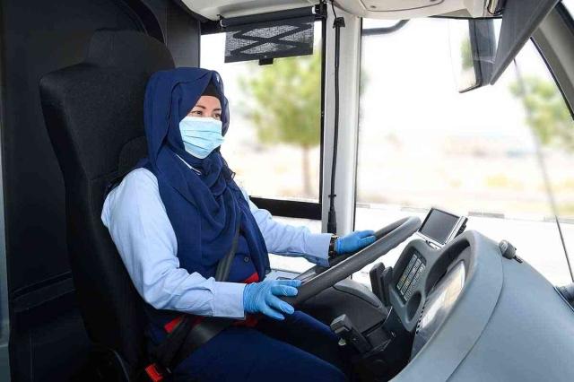 لأول مرة في المنطقة.. دبي تُوَظِّفُ سائقات في خطوطها الداخلية للحافلات العامة - عبر الإمارات - أخبار وتقارير - البيان