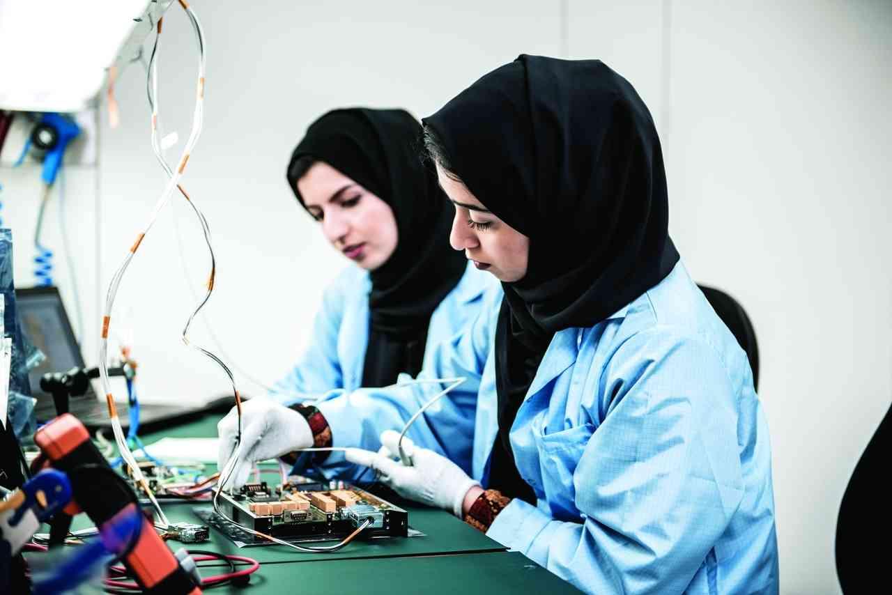 الصورة : برنامج «نوابغ الفضاء العرب» يمكّن المواهب العربية علمياً وعملياً