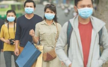 الصورة: الصورة: ارتداء الكمامة يكشف مشاكل صحية.. تعرف عليها