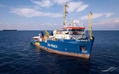 الصورة: الصورة: إيطاليا تحتجز سفينة إنقاذ ألمانية
