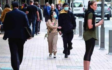 الصورة: الصورة: وله فوائد أيضاً.. «كورونا» يعيد النيوزيلنديين إلى ترابطهم الاجتماعي