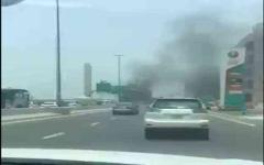 الصورة: الصورة: دفاع مدني دبي يسيطر على حريق سيارة دون إصابات