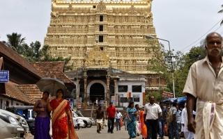 الصورة: الصورة: عائلة هندية تسيطر على معبد يحوي كنزاً بـ 20 مليار دولار