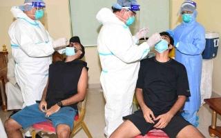 """الصورة: الصورة: """"الإمارات"""" يُدشن عودة النشاط بالفحوصات الطبية"""