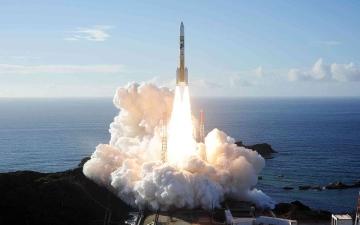 الصورة: الصورة: رئيس وكالة الفضاء الفرنسية: العالم تأكد من حكمة قيادة الإمارات