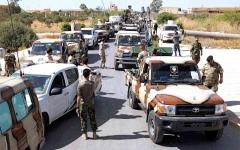 الصورة: الصورة: الجيش الليبي يحصّن خطوط الدفاع في سرت