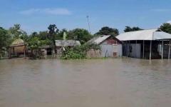 الصورة: الصورة: شاهد.. الفيضانات تشرّد 3 ملايين شخص في بنغلاديش