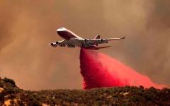 الصورة: الصورة: شاهد.. كاليفورنيا تكافح لاحتواء حريق مهول خرج عن السيطرة