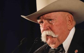 الصورة: الصورة: وفاة صاحب الشارب الشهير الممثل الأمريكي «ويلفورد بريملي»