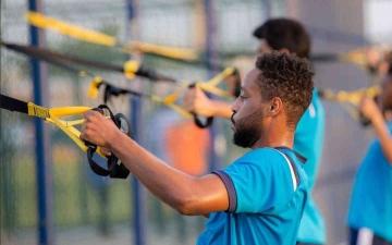 الصورة: الصورة: 32 لاعباً ينتظمون بمعسكر كلباء