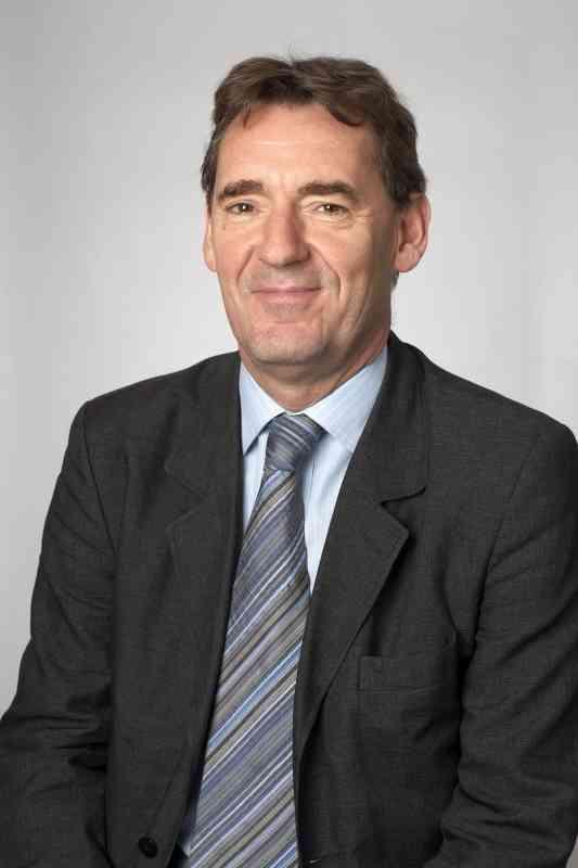 الصورة : جيم أونيل  - رئيس مجلس إدارة جولدمان ساكس لإدارة الأصول سابقاً، كما شغل منصب وزير الخزانة في المملكة المتحدة سابقاً، وهو يتولى م