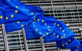 الصورة: الصورة: الاتحاد الأوروبي يعتزم إرسال نحو مئة إطفائي إلى بيروت
