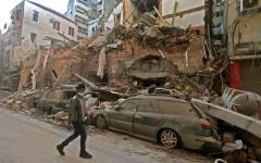 الصورة: الصورة: بيروت «الحزينة» تلملم جراحها وتترقب ارتدادات «اليوم المشؤوم»