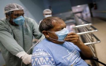 الصورة: الصورة: ارتفاع وفيات كورونا في البرازيل إلى 97256