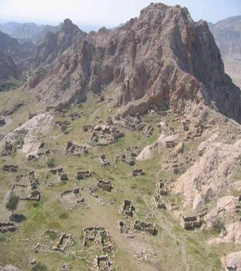 موقع يحكي قصة المكان قرية الحلة الجبلية المخفية Image