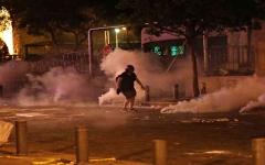 الصورة: الصورة: جرحى في مواجهات بين محتجين وقوى أمنية وسط بيروت