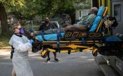 الصورة: الصورة: أمريكا تسجل رقماً قياسياً في إصابات كورونا مع تخطي الإصابات 5 ملايين