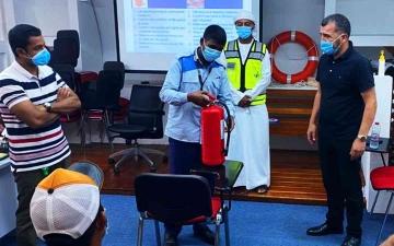 """الصورة: الصورة: """"طرق دبي"""" تُنَظِّمُ دورات تدريبية لربابنة ومشغّلي العبرات التراثية"""