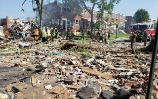 الصورة: الصورة: فيديو.. انفجار مدمر في مدينة بالتيمور الأمريكية يسويعدة منازل بالأرض