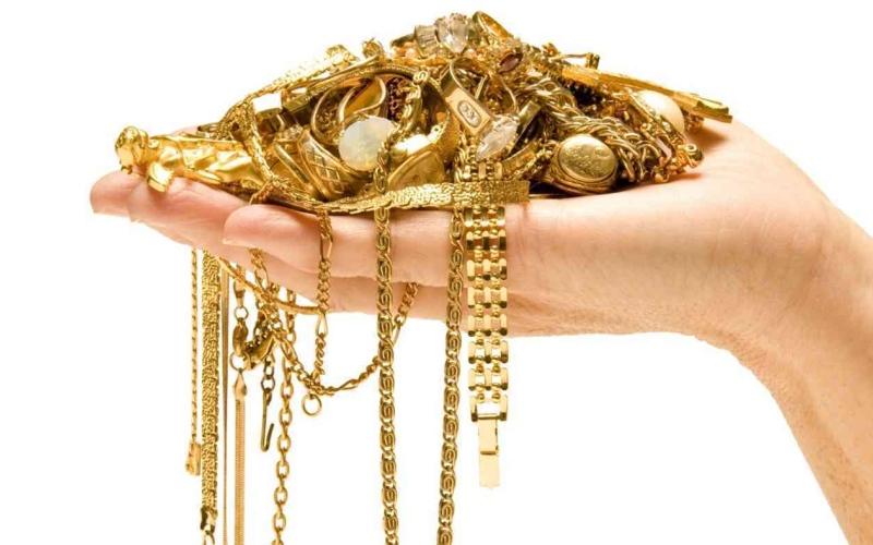 الصورة: الصورة: هبوط الذهب في الأسواق العالمية