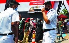 الصورة: الصورة: المصريون يصوتون في انتخابات مجلس الشيوخ