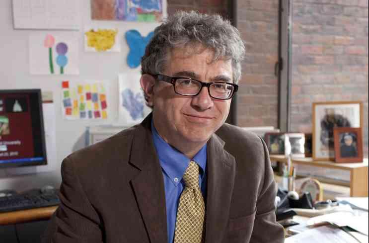 الصورة : جيفري فرانكل - أستاذ تكوين رأس المال والنمو في جامعة هارفارد.