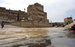 الصورة: الصورة: عسكر لـ «البيان»: السيول تفاقم معاناة النازحين اليمنيين