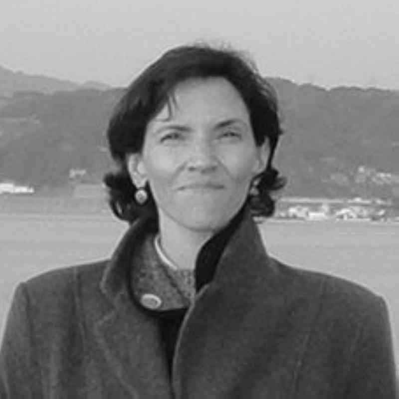 الصورة : سيسيليا تورتاجادا - رئيس تحرير المجلة الدولية لتنمية موارد المياه، وزميلة بحث أولى في معهد سياسة المياه في كلية لي كوان يو للسياسة العامة بجامعة سنغافورة الوطنية.