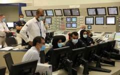 الصورة: الصورة: ربط أولى محطات براكة للطاقة النووية السلمية بشبكة نقل الكهرباء في الدولة