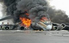الصورة: الصورة: تحطم طائرة بعد إقلاعها من مطار جوبا بجنوب السودان