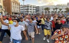 الصورة: الصورة: بوادر لنشوء مقاومة شعبية في العاصمة الليبية