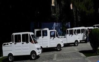 الصورة: الصورة: شاهد.. سيارات أفغانية هجينة تعمل بالطاقة الشمسية